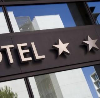 Brandjacking i billboard effect a wizerunek hotelu w internecie